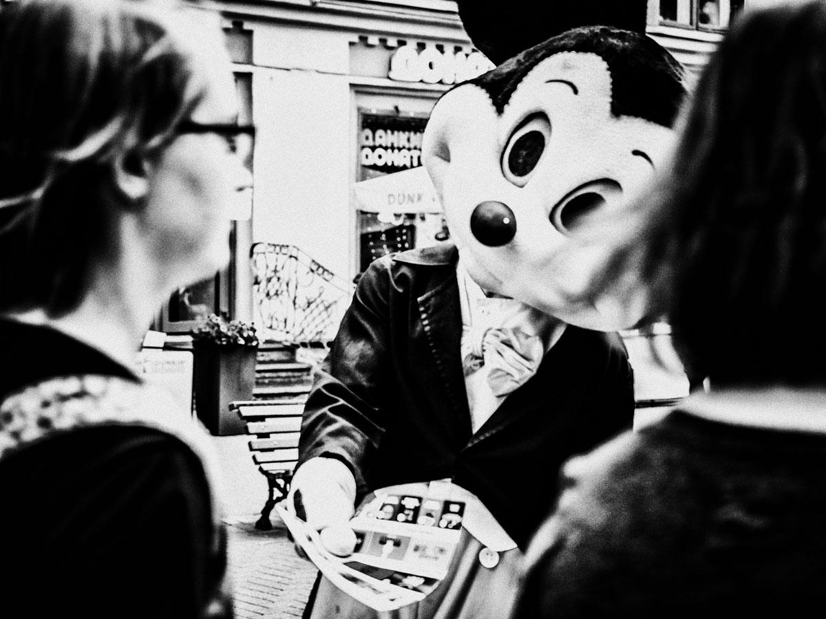 Пять принципов уличной фотографии от Залмана Шкляра