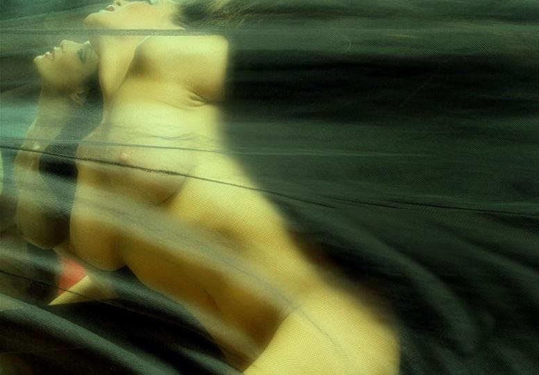 фото обнаженные девушки Дэвид Наман